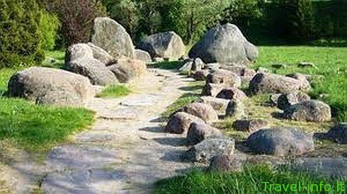 Mosėdis. Akmenų muziejus