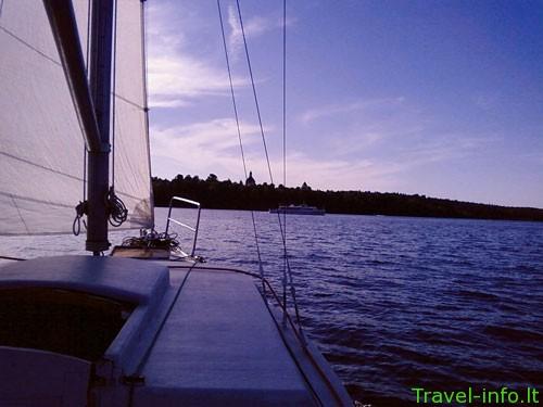 Plaukiojimas pramogine jachta Kauno mariose