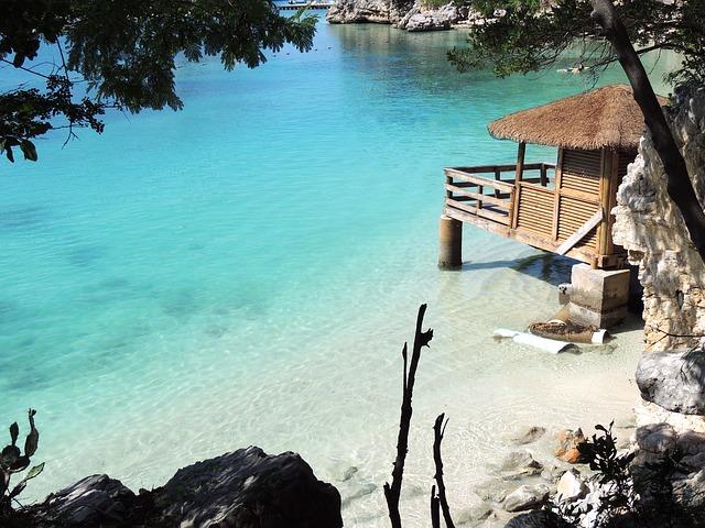Medaus mėnuo Bahamuose: kur keliauti ir ką pamatyti?
